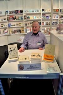 Au STAND 250 du Service du Livre Luxembourgeois Jacques LAMBERMONT présente ses livres